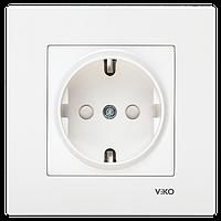 Розетка с заземлением и шторками белая Viko (Вико) Karre (90960042)