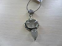 Кулон с натуральным камнем кварц волосатик в серебре.