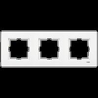 Рамка трехместная горизонтальна белая Viko (Вико) Karre (90960202)