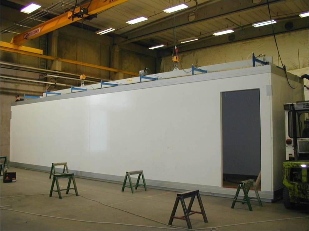 После завершения сборки модуля и устройства полов с покрытием, допущенным для применения в пищевой промышленности, готовый модуль передается на стадию комплектации