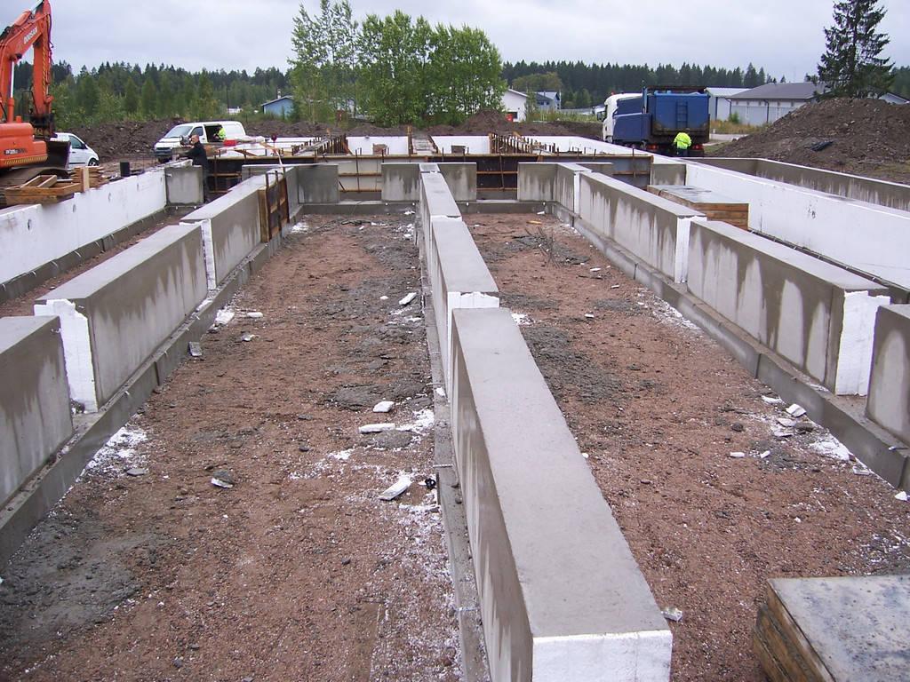Монтаж модулей производится на заранее подготовленный Заказчиком фундамент. Фундамент изготавливается в соответствии с предоставленной Kometos документацией.