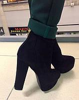 Стильные женские замшевые ботинки на высоком каблуку, материал искусств. замша. Черный цвет