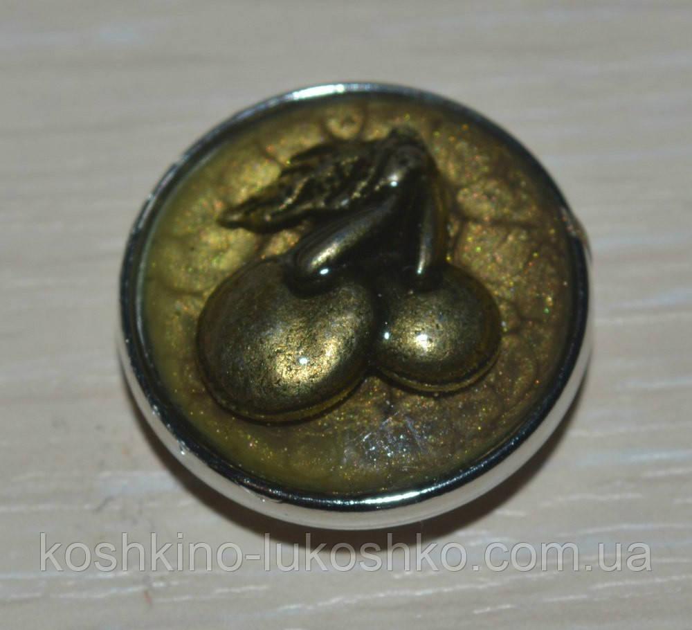 Змінна кнопка чанка ручної роботи з вишнями