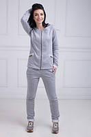 Светло-серый спортивный костюм
