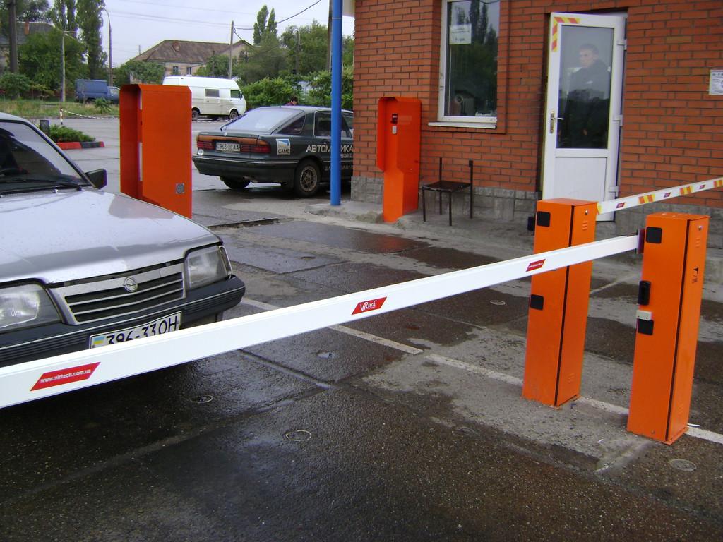 Монтаж, установка и подключение автономной системы платного паркинга pay-n-go.