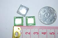 Камень квадрат грани   на клей  10 на 10 мм  салатовый
