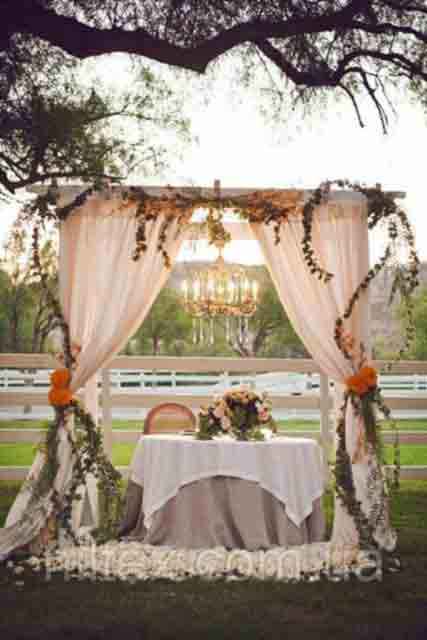 Оформлення весільного залу тканиною