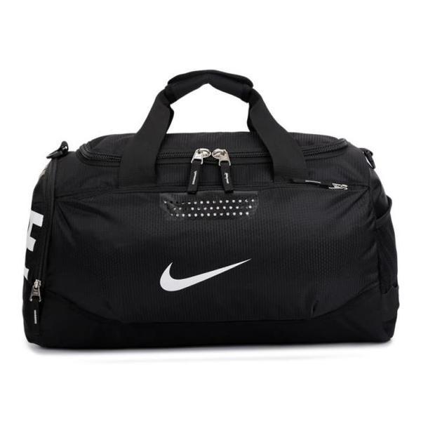 d00851df5ce7 Спортивная сумка Nike черная с белым логотипом (реплика) - Интернет-магазин  оригинальных кепок