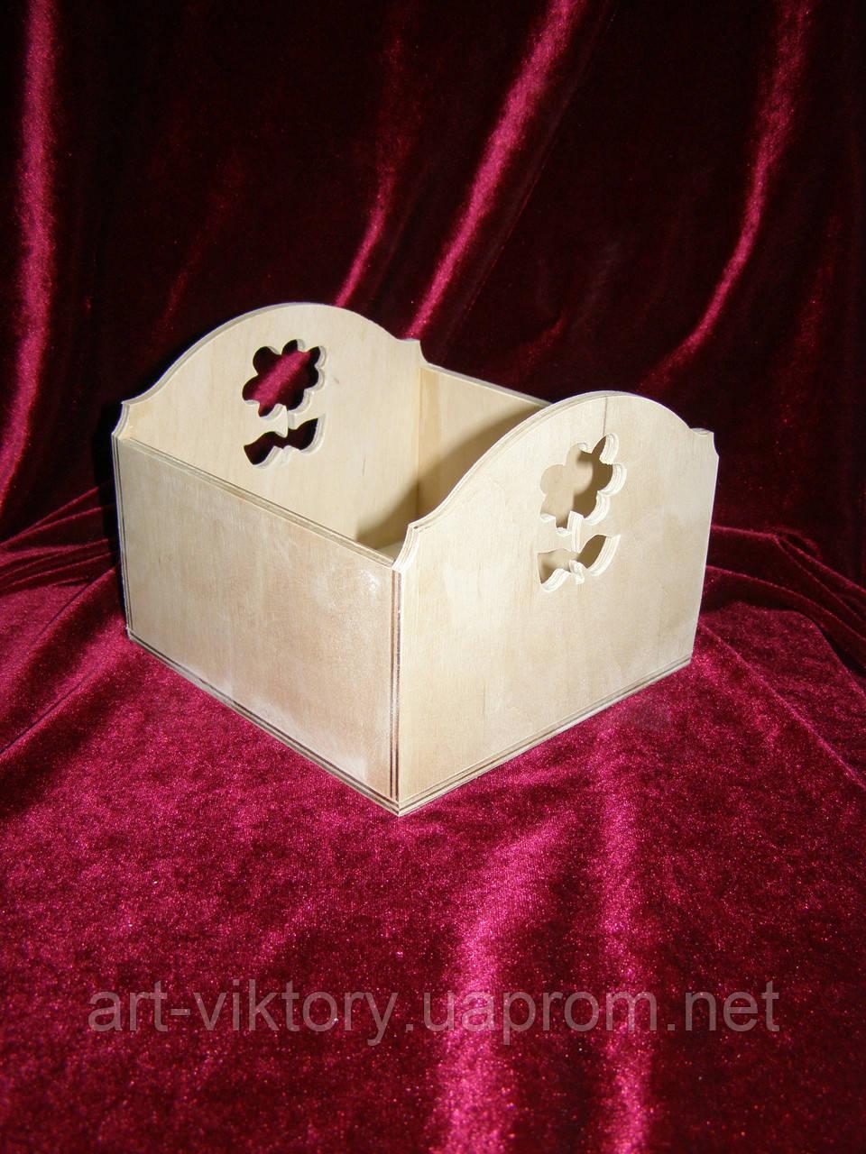Короб с цветочком (15 х 15 х 12 см)