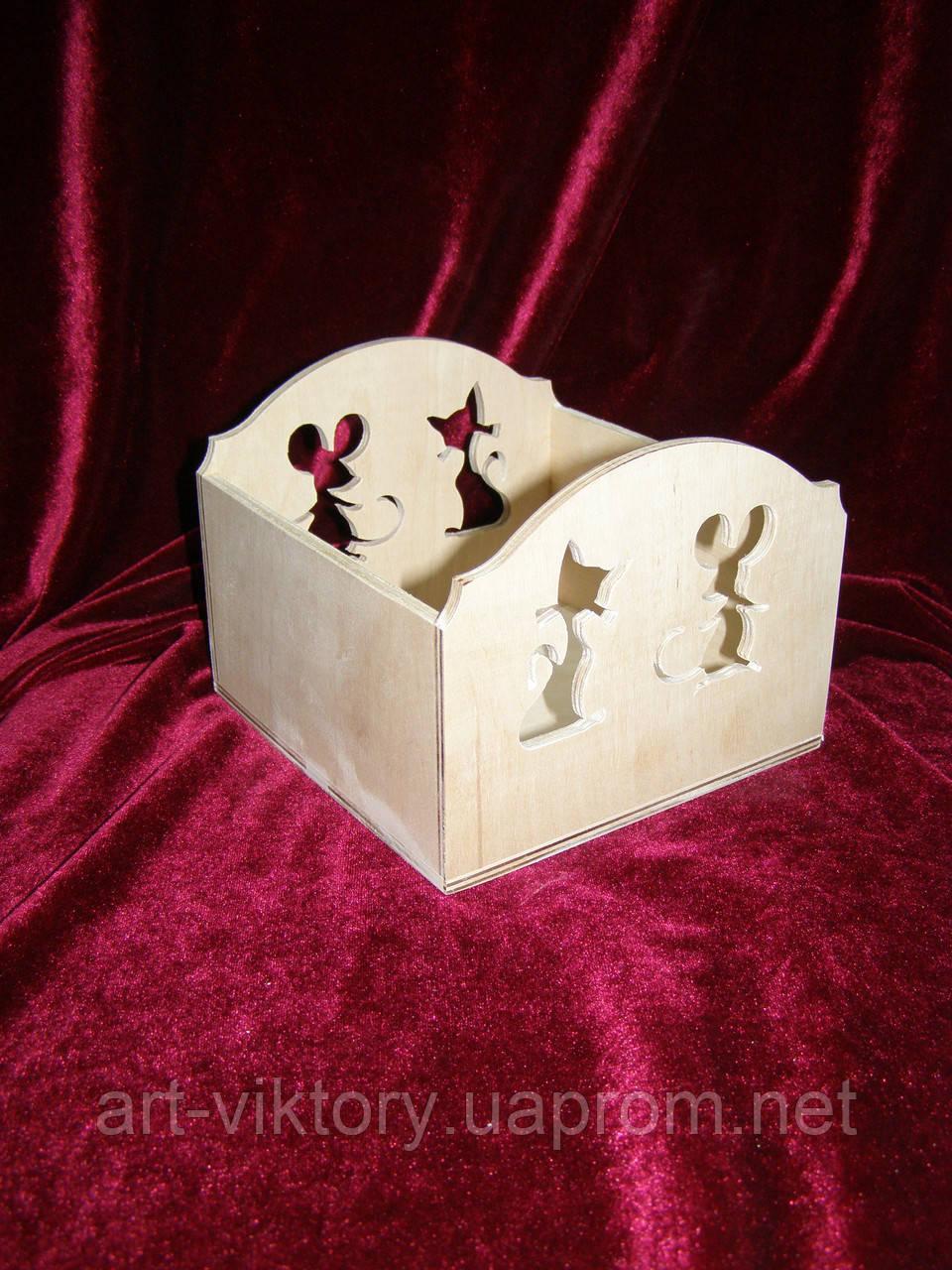 Короб с мышкой и кисей (15 х 15 х 12 см)