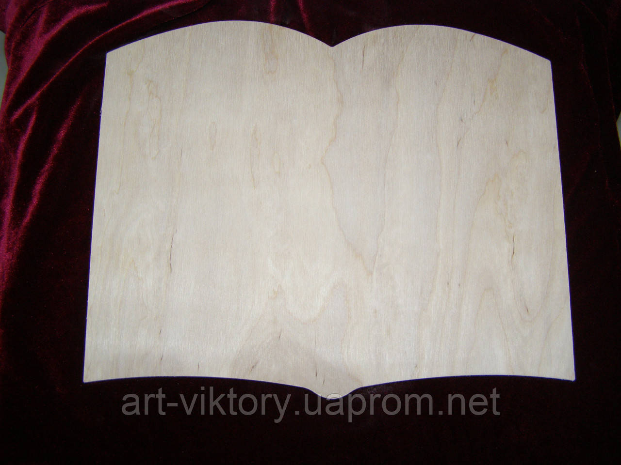 Панно открытая книга (28 х 23 см), декор