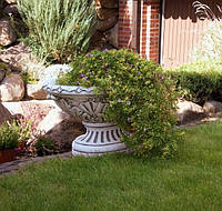 Вазон садовый для цветов «Ника» бетонный