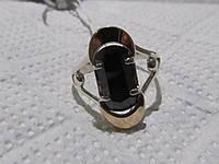 Кольцо из серебра с золотом и ониксом