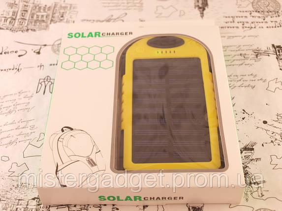 Внешний солнечный аккумулятор для телефона +Фонарик. Желтый Solar Powerbank 20000 mAh, фото 2