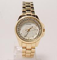 Часы наручные женские  на  браслете копия