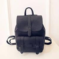 Рюкзак женский кожаный  с клапаном и карманом (черный)