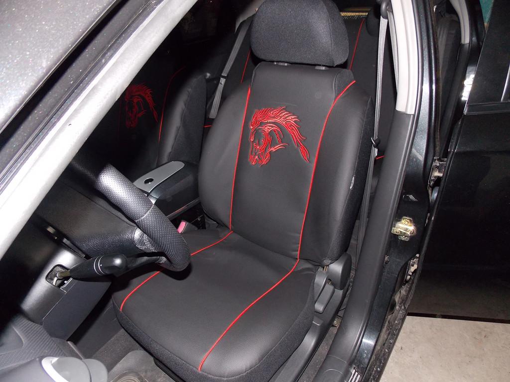 Фотография модельных чехлов на Chevrolet Aveo с вышивкой