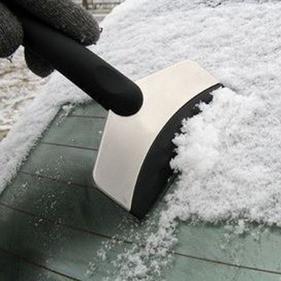 Автомобильный скребок для снега и льда