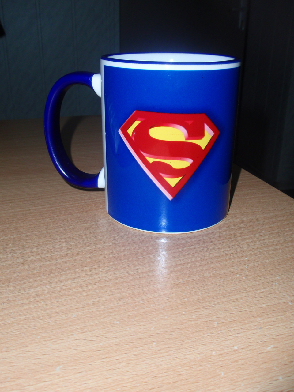 Чашка с синей каймой