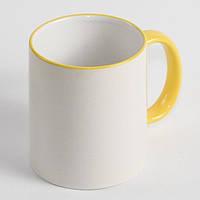 Чашка с желтой каймой