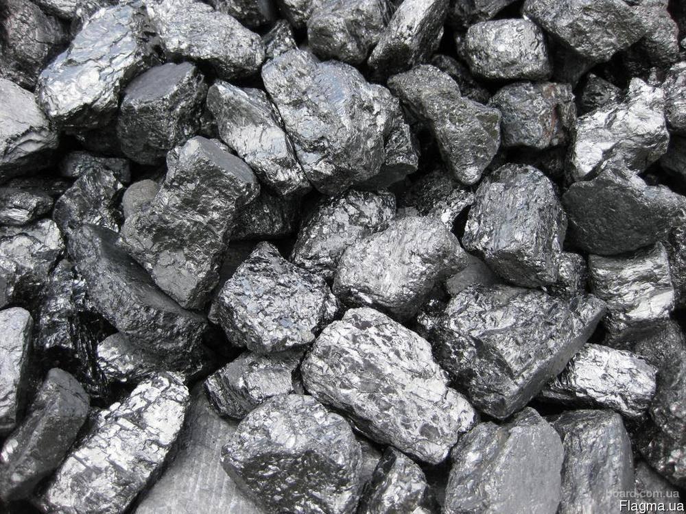 Уголь АК (Антрацит Кулак, крупный уголь, размер 50–100 мм)