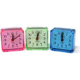 Часы-будильник 6621 маленькие квадратные 2.6*5.5*5.8 см.