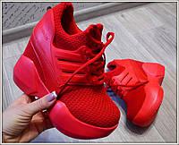 Стильные женские кроссовки на скрытой танкетке, цвет красный