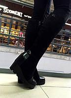 Женские демисезонные сапоги на тракторной танкетке, искусственная замша. Черный цвет