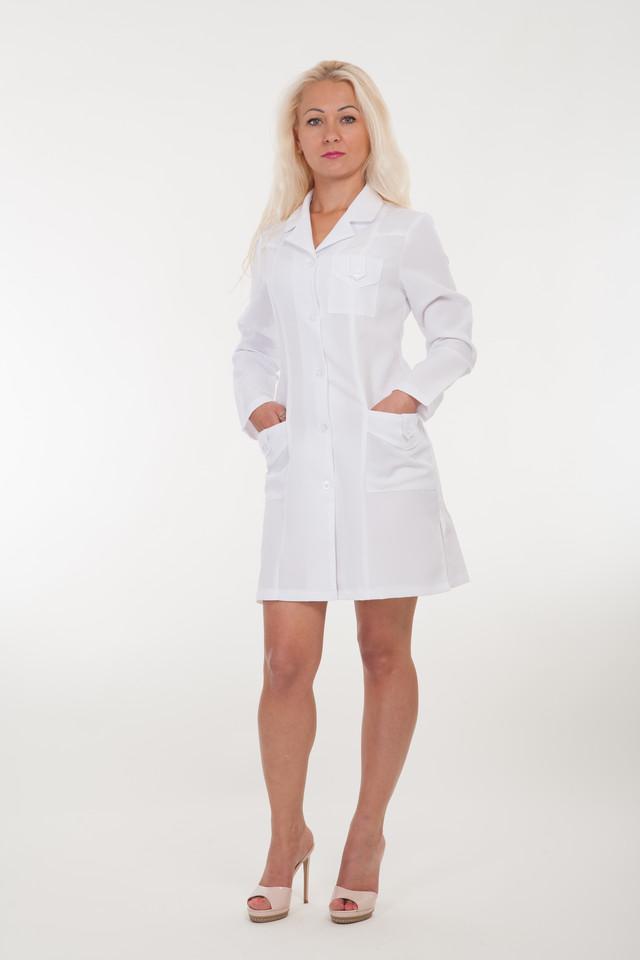 фотографія медичний білий халат з довгими рукавами
