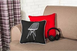 Подушка декоративная с вышивкой Стул