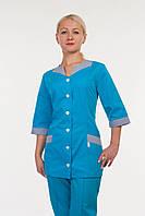 Медицинский женский костюм больших размеров  на пуговицах