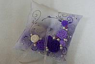 Подушечка для колец фиолетовая с лепкой