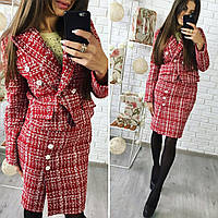 Деловой костюм женский пиджак и юбка красный