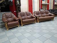 Комплект кожаной мягкой мебели, два дивана и кресло с Бельгии