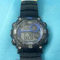 Мужские часы Q&Q M133J003Y кварцевые черные с синим водонепроницаемые 100WR с подсветкой