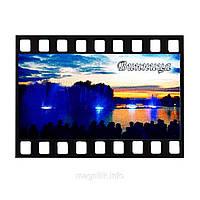 """Магніт - кадр з кінострічки """"Вінниця: Фонтан в синьому кольорі"""""""