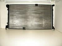 Радиатор охлаждения двигателя на Рено Трафик 03-> 2.5dCi (135 л. с. ) — RENAULT (Оригинал) - 8200297815