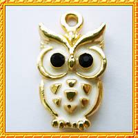Подвеска - кулон сова белая, металл, цвет: Золото, выс 20 мм., шир 11 мм. толщ 3 мм