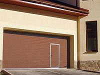 Секционные гаражные ворота с калиткой