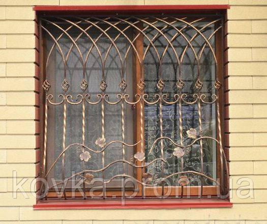 Кованая решетка с лозой винограда
