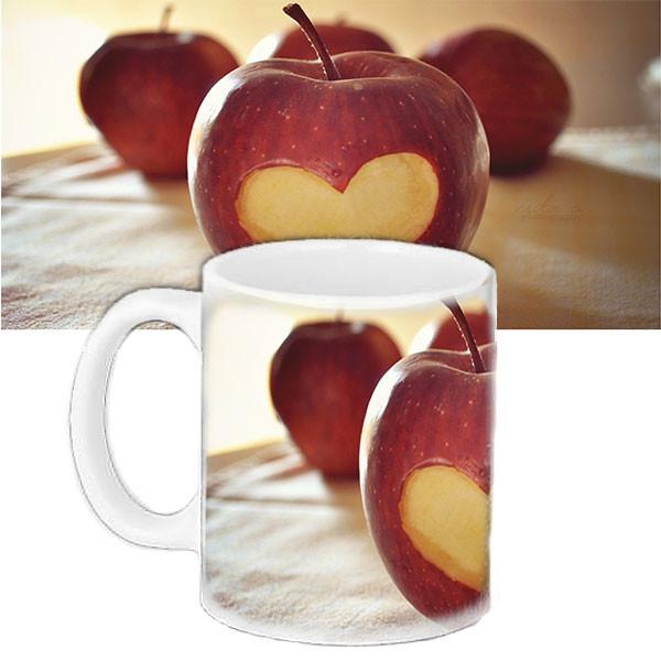 Кружка подарок с рисунком Яблоко любви