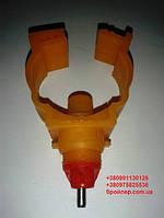 Ниппельная поилка 360 гр. на круглую трубу (короткая)