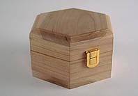 Шкатулка деревянная шестигранная