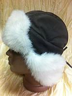 Оливковая шапка ушанка с белым мехом для мальчика