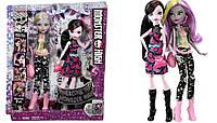 Набор кукол Monster High Draculaura and Moanica из серии Dance the Fright Away.