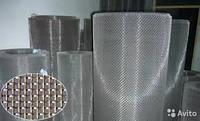 Сетка тканая плетеная с квадратными ячейками 0,8мм из нержавеющей проволоки диаметром 0,32мм, марка стали 12Х1