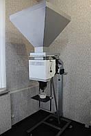 Дозатор весовой полуавтоматический ДВСВ-S для расфасовки сыпучих веществ дозами от 0,25 кг до 10 кг