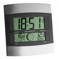 Часы настенные цифровые TFA, внешний датчик, 240x220x31мм