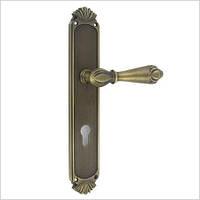 Дверная ручка на планке INCANTO