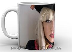 Кружка Леди Гага в черной шляпке